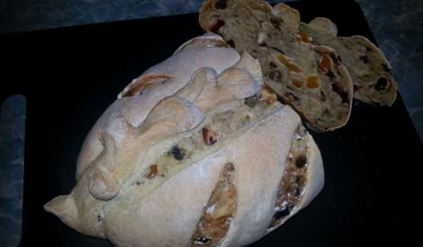 Augļu maize ar rauga ieraugu
