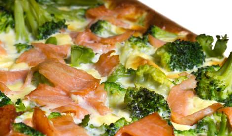 Zivis un brokoļi formā