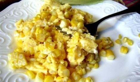 Ātrās brokastis ar olu un kukurūzu