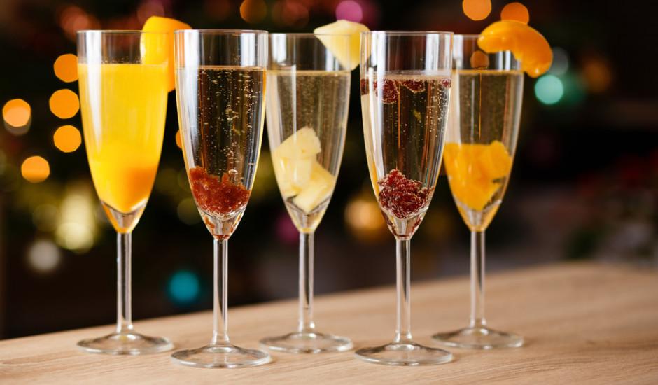 Šampanietis ar augļiem