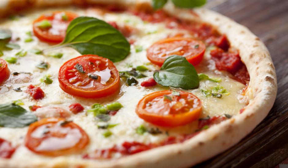 Pica margarita ar baziliku