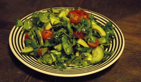 Avokado un rukolas salāti