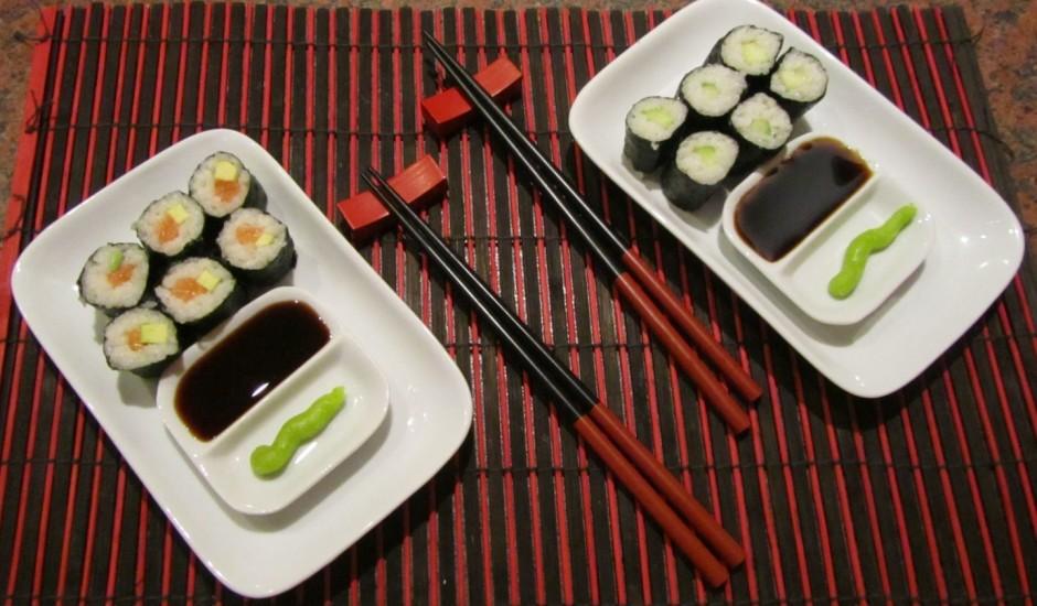 Ātrie suši ar lasi un avokado