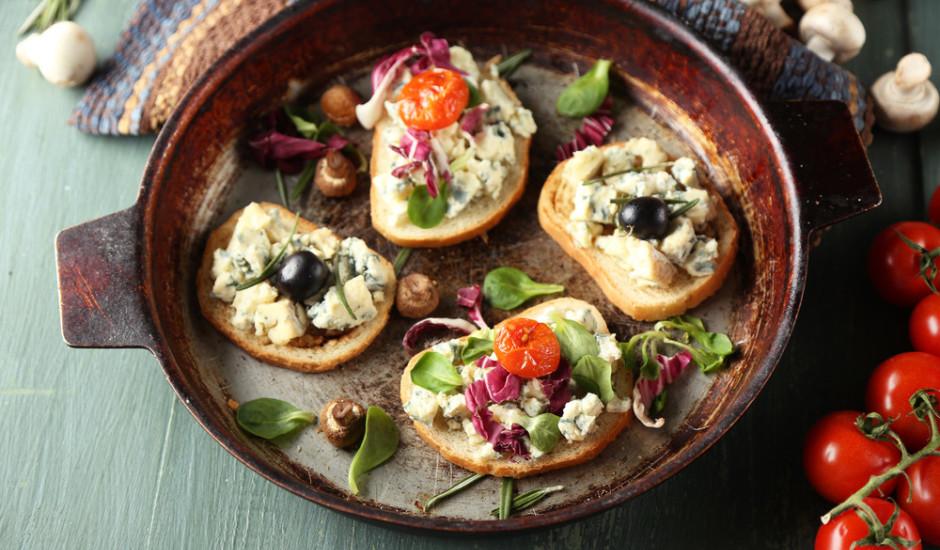 Karstmaizes ar zilo sieru