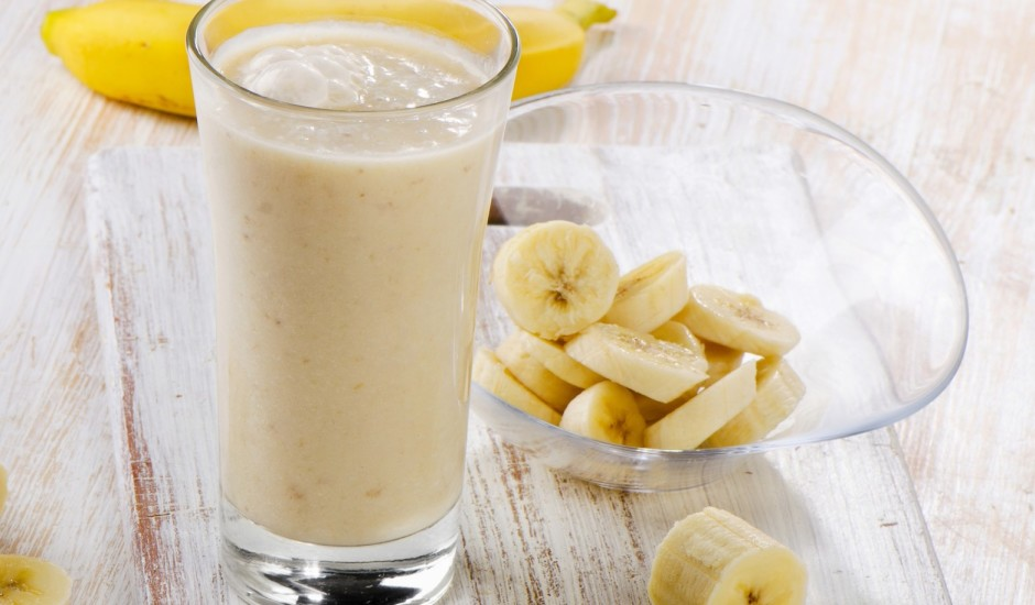 Banānu kokteilis