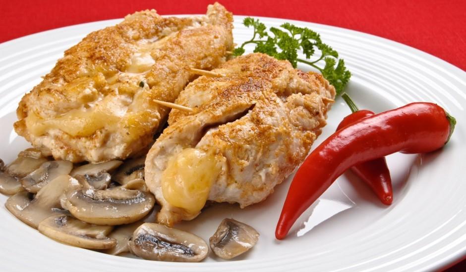 Pildīta vistas fileja ar šampinjoniem