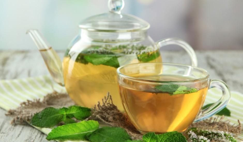 Svaiga piparmētru tēja
