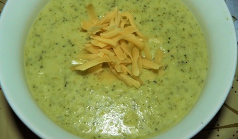 Brokoļu un siera zupa