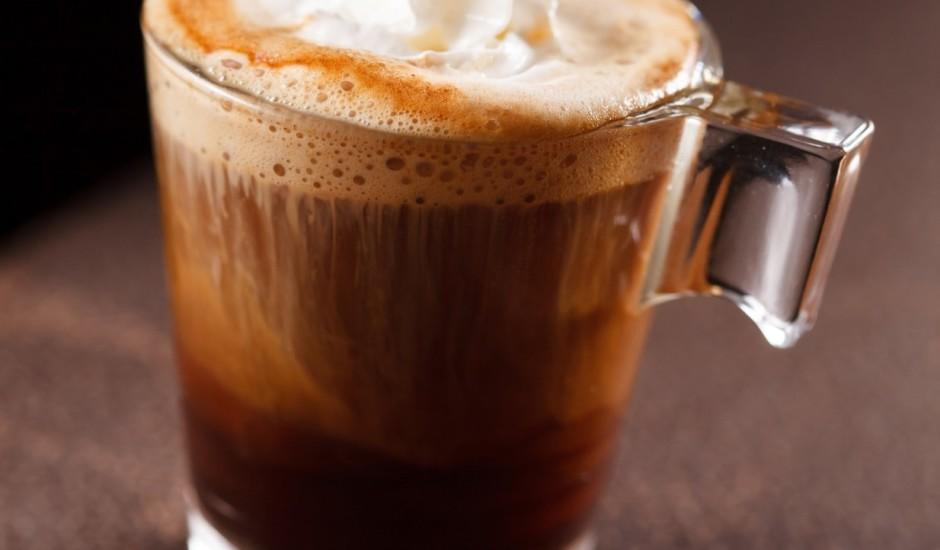 Aukstais kafijas dzēriens