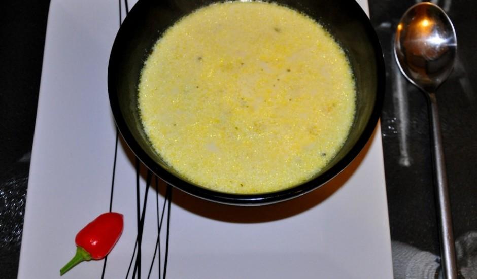 Puravu un kartupeļu zupa ar krējumu