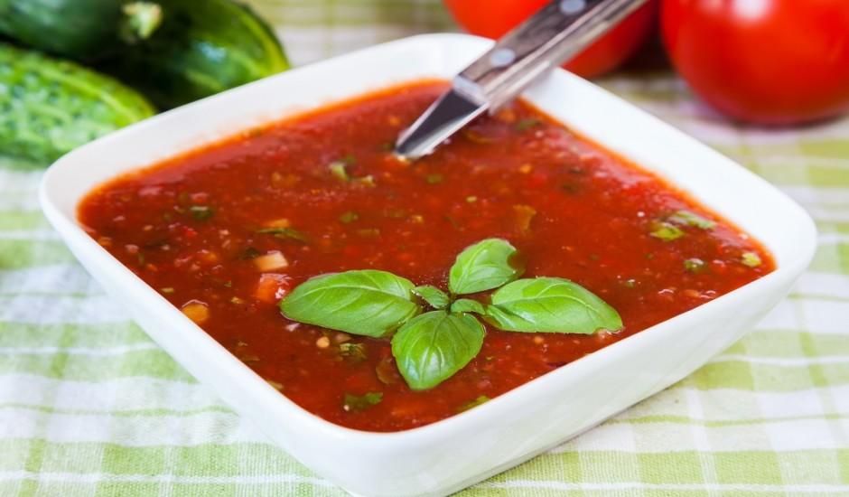 Aukstā tomātu sulas zupa