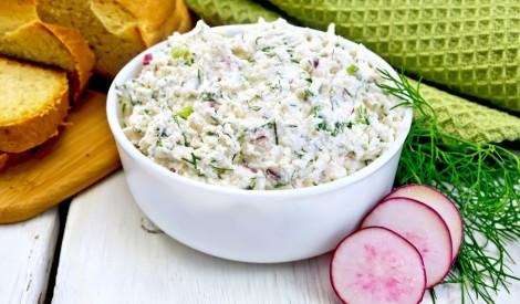 Redīsu un biezpiena salāti