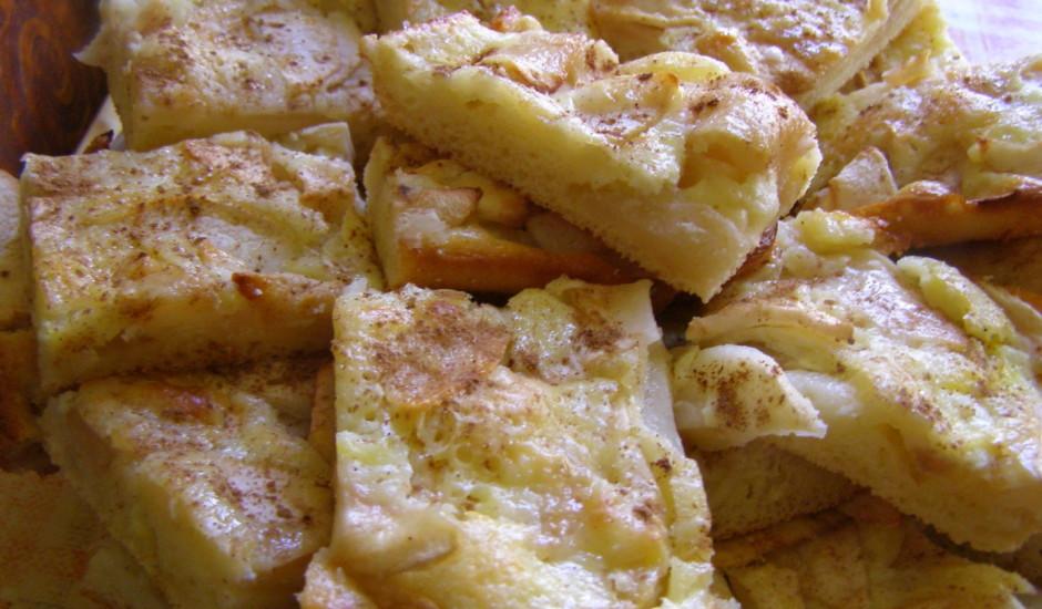 Rabarberu vai ābolu plātsmaize