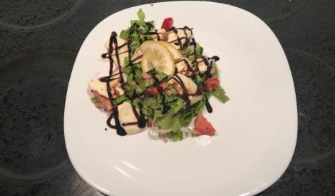 Tunča salāti ar balzamiko mērci