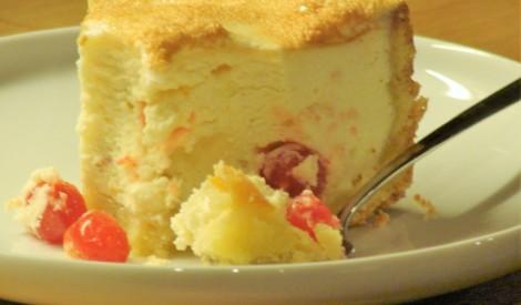 Biezpiena kūka ar žāvētiem augļiem