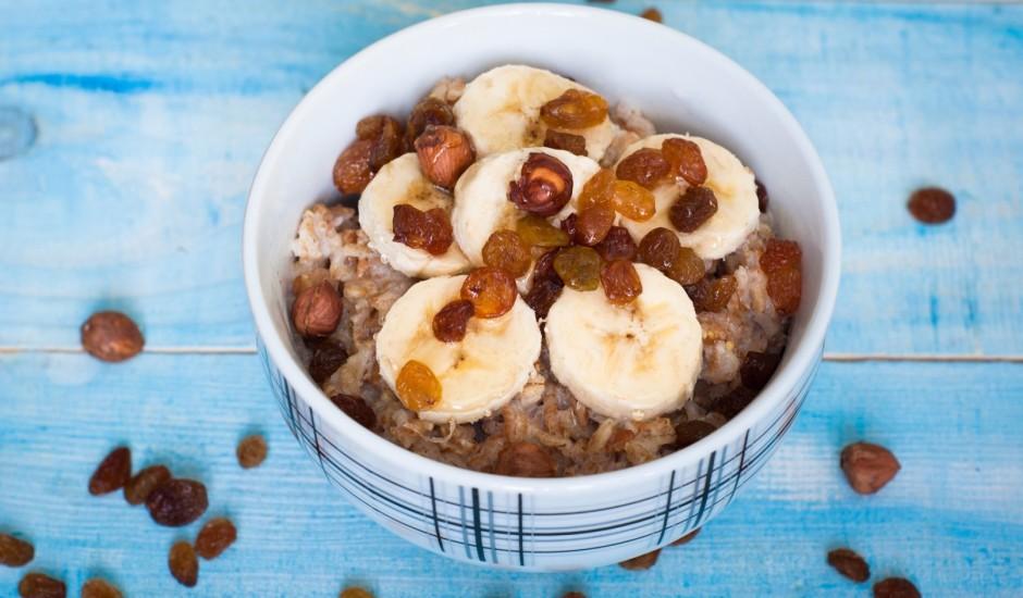 Veselīgas un sātīgas brokastis no auzu pārslām