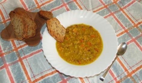 Sildošā lēcu zupa ar pašceptu maizi