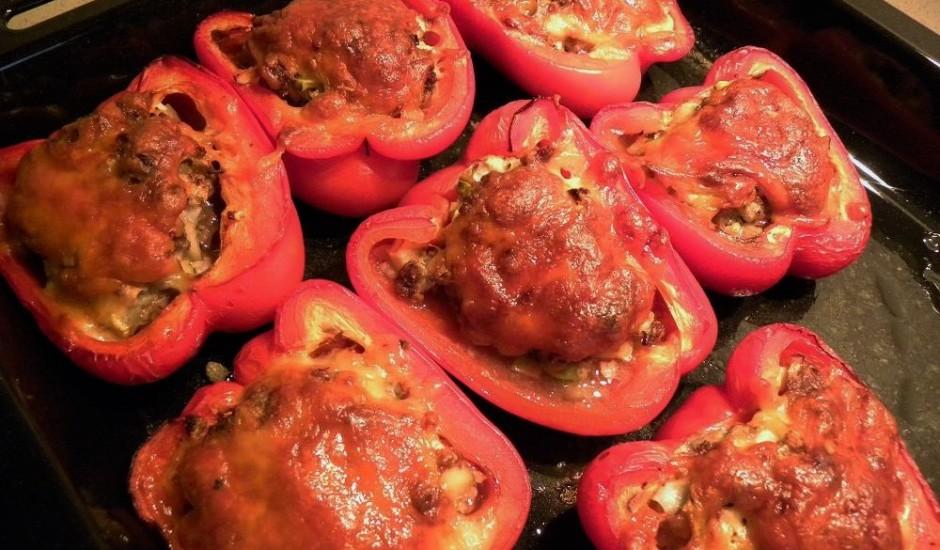 Pildīta paprika ar malto gaļu un puķkāpostiem
