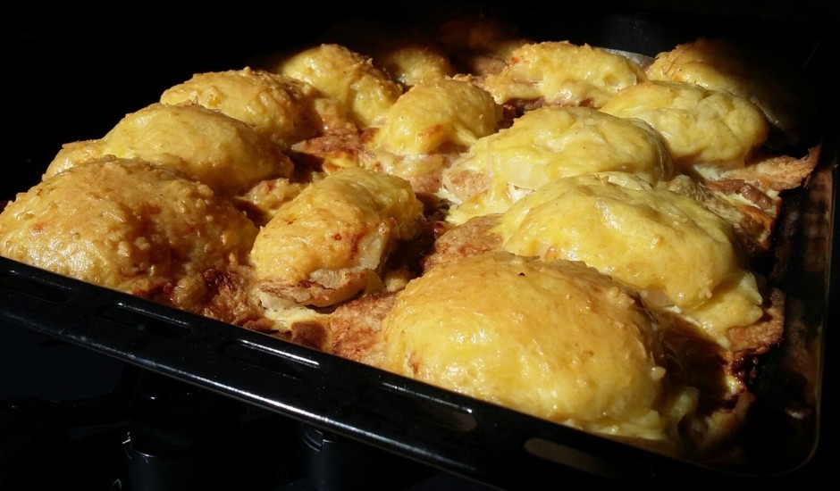 Vistas filejas karbonādes ar ananasiem un sieru
