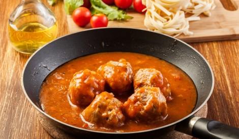 Maltās gaļas lodītes asajā tomātu mērcē