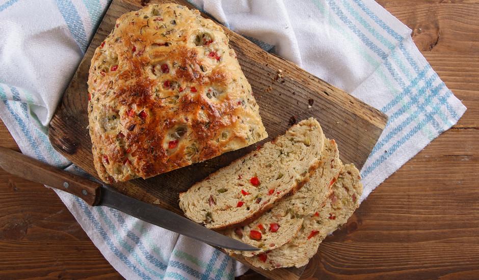 Raibā Ziemassvētku maize