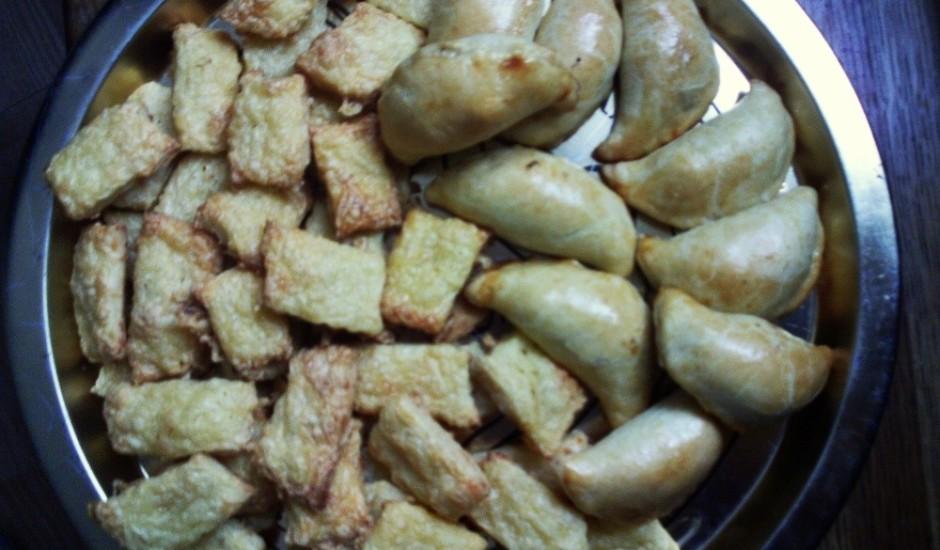 Buljona pīrādziņi, siera cepumi un ķimeņu standziņas