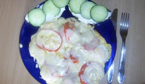 Olas tomātos ar siera garoziņu