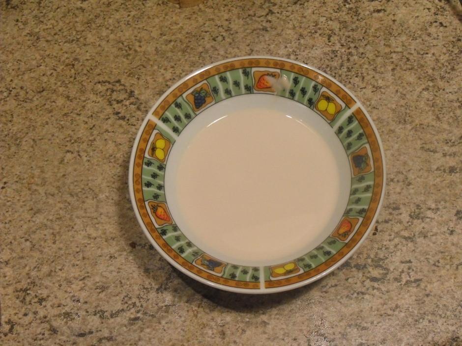 Raugu izšķīdina siltā pienā.