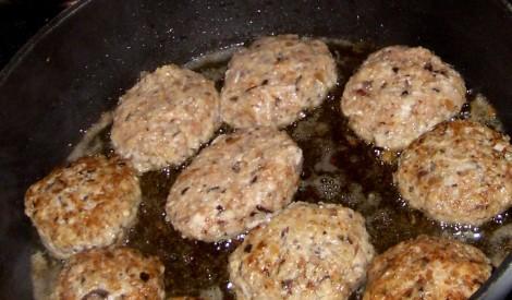 Sālītu sēņu kotletes ar malto gaļu