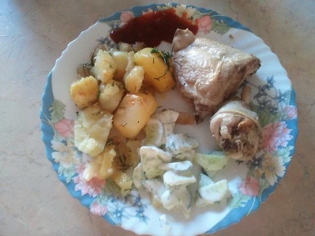 Kartupeļi ar vistu cepeškrāsnī