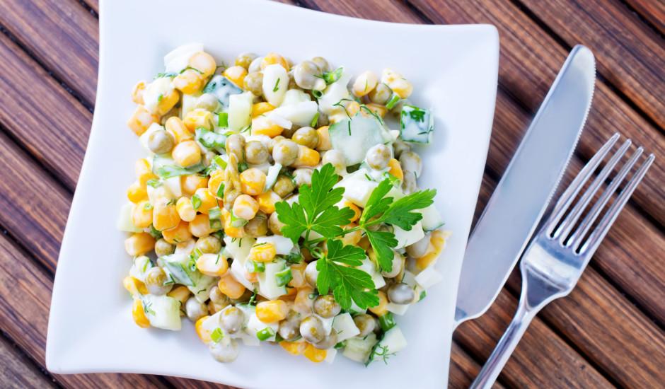 Zirnīšu - kukurūzas salāti