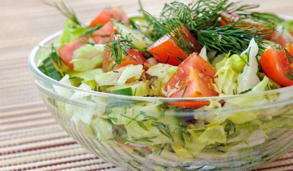 Svaigie salāti pie šašlika