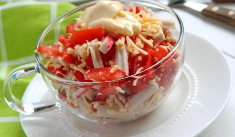 Fiksie tomātu - krabju salāti