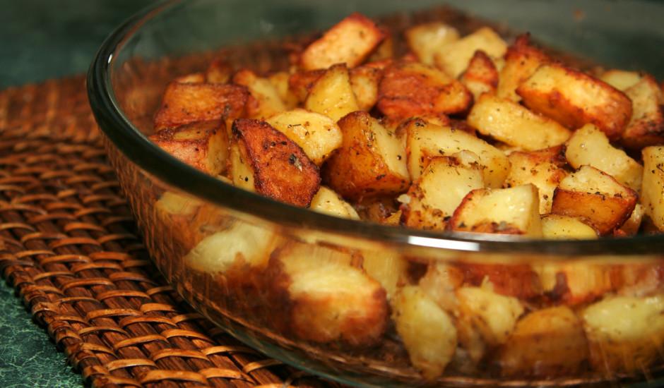 Krāsnī cepti kartupeļi ar ķiploku