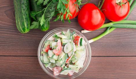 Tomātu - gurķu salāti