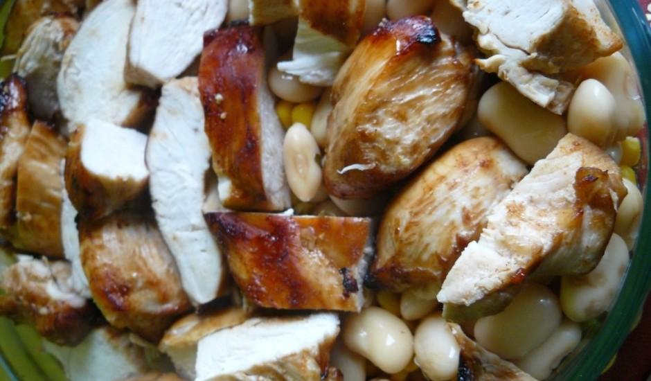 Salāti ar grilētu vistas krūtiņu