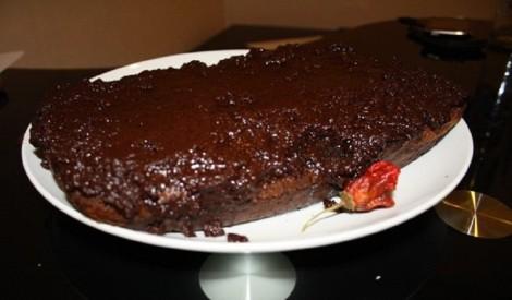 Šokolādes, čili un apelsīnu kūka