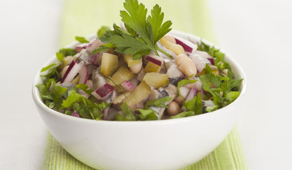 Pupiņu salāti ar siļķi