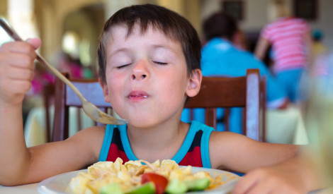Bērniem ieteicams brokastot divreiz