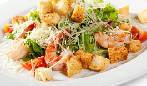 Cēzara salāti ar garnelēm