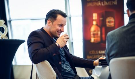 Papildini savas zināšanas par viskiju kopā ar Chivas Regal