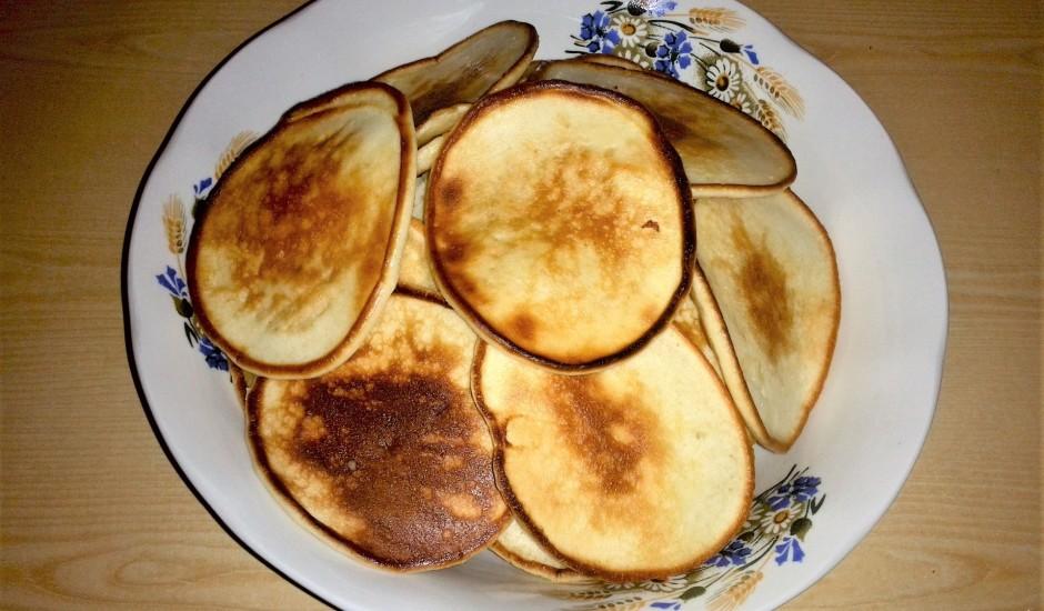 Kefīra pankūkas