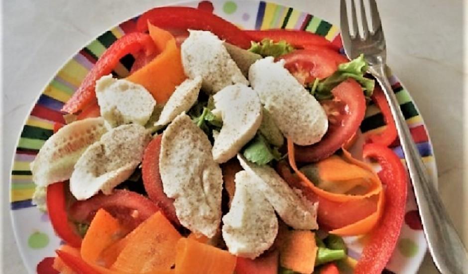 Svaigie mozzarellas salāti