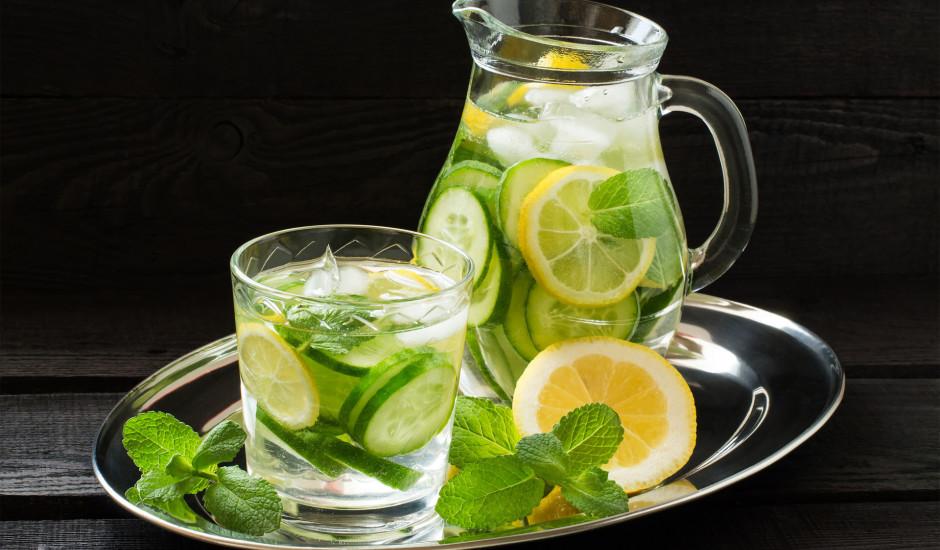 Ūdens ar gurķi, citronu un ingveru
