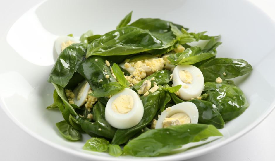Spinātu salāti ar olu