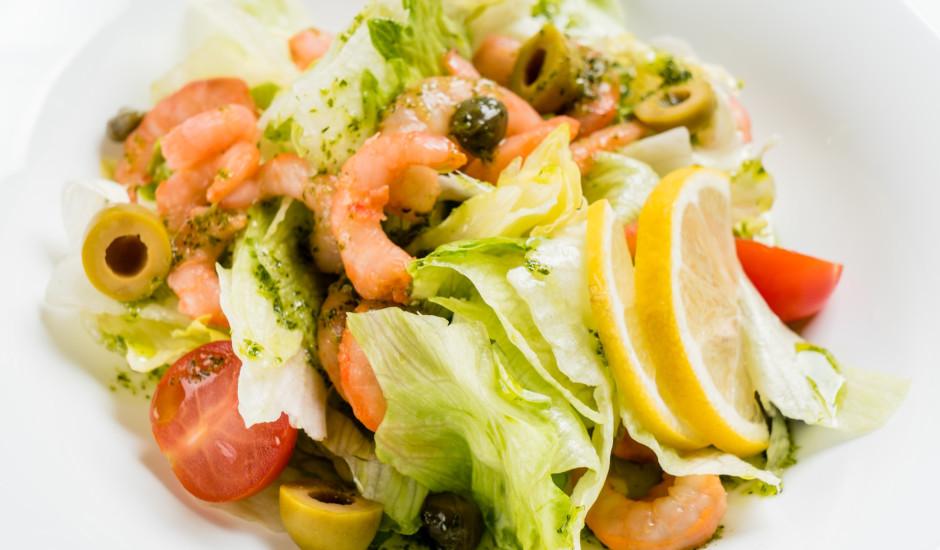 Svaigie garneļu salāti
