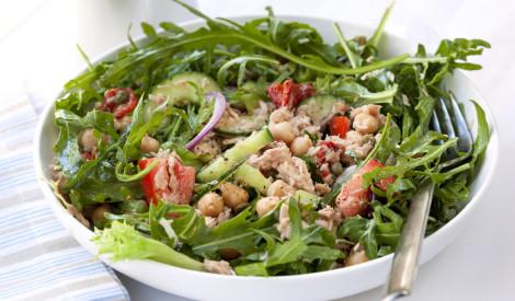 Tunča - lapu salāti ar turku zirņiem