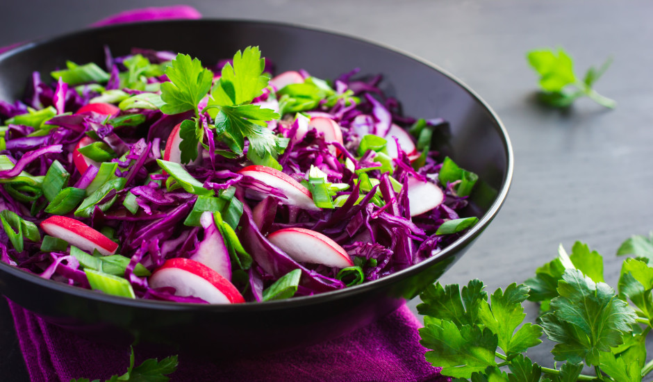 Sagaidām pavasari! Svaigo salātu recepšu izlase