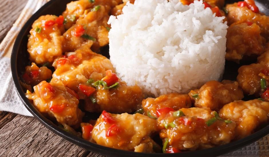Saldskābā vistas fileja ar rīsiem