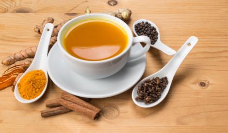Tēja ar kurkumu mundrumam